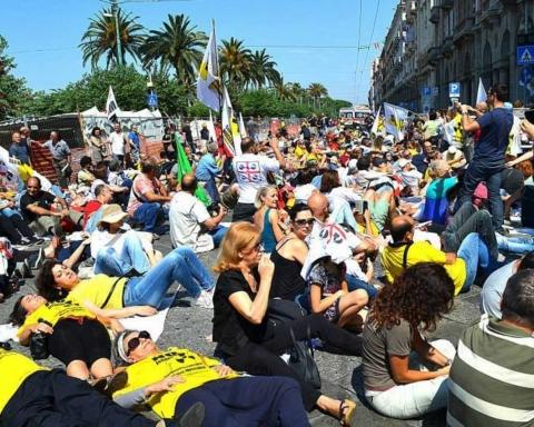 Manifestazione contro il deposito di scorie in Sardegna