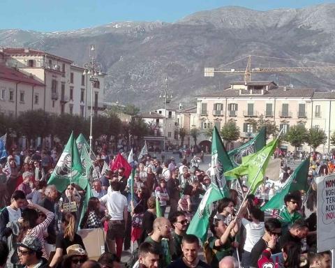 Manifestazione No Hub del gas No Snam di Sulmona