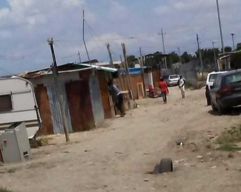 Panoramica della baraccopoli a ridosso dell'area nigeriana