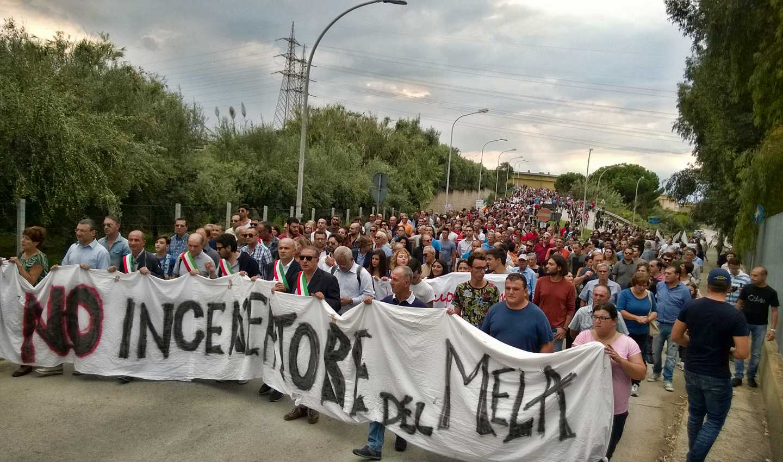 Manifestazione contro l'inceneritore del Mela