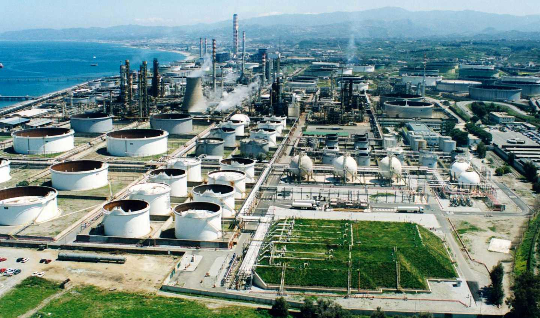 Raffineria di Milazzo, prioritaria è la riduzione dell'inquinamento