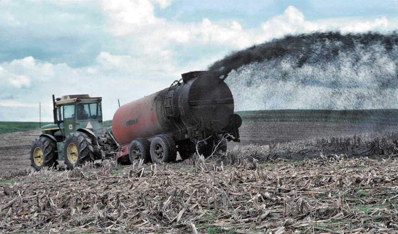 Spandimento fanghi in agricoltura, normati dal decreto Genova