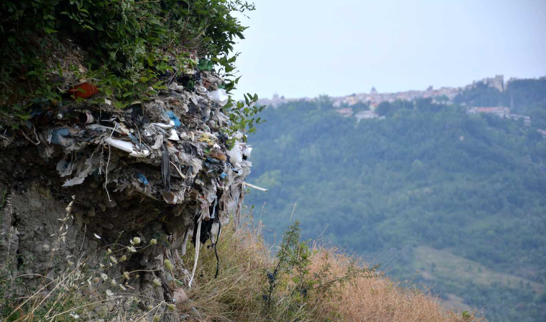 Guardiagrele, 4,5 milioni di metri cubi di rifiuti verso valle