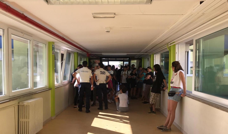 Inquinamento ex-Ilva, i genitori di Taranto occupano le scuole